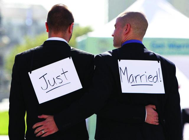 Homosexualita a celospoločenský pohľad na definíciu rodiny